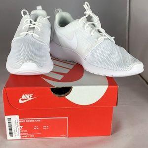 Nike Shoes - Nike men's running shoes